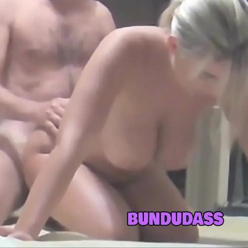 Loira caseira fudendo e marido filmando